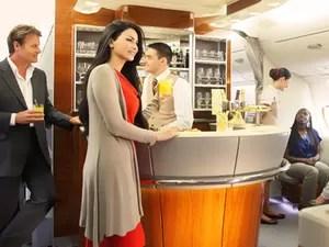 Lounge - Emirates Airline - primeira classe (Foto: Divulgação)