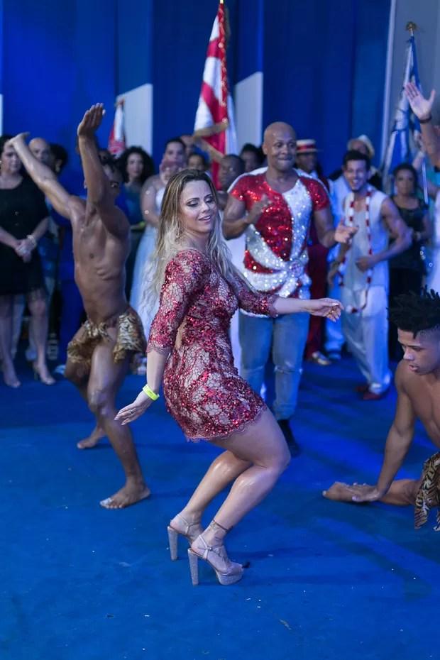 Viviane Araújo em show do Salgueiro quadra da Portela (Foto: Alex Nunes/Divulgação)