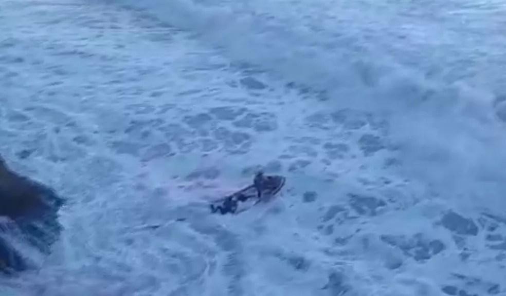 Guarda-vidas conseguiu resgatar adolescente no mar em Guarujá — Foto: Gabriel Pierro/Arquivo Pessoal