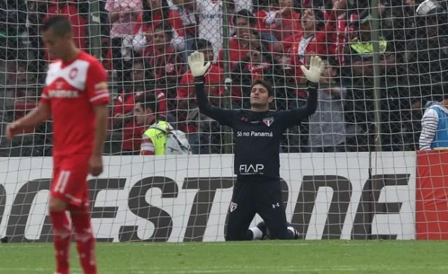 Denis São Paulo Toluca Libertadores (Foto: Rubens Chiri / saopaulofc.net)