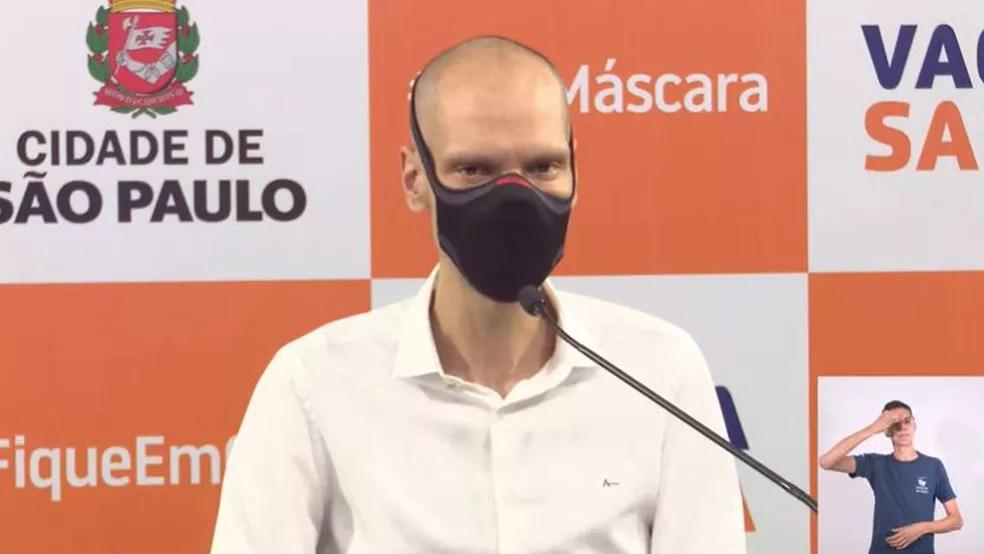 O prefeito Bruno Covas (PSDB) descobre novos focos de câncer — Foto: Reprodução