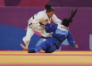 Rafaela Silva na luta de estreia no judô pelo Pan de Lima — Foto: REUTERS/Guadalupe Pardo