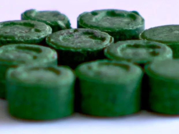 Fentanil e butilona podem vir disfarçados em outras drogas, como LSD e bala  (Foto: Reprodução/EPTV)