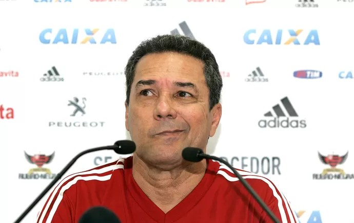 Coletiva Vanderlei Luxemburgo Flamengo (Foto: Carlos Moraes / Agência Estado)