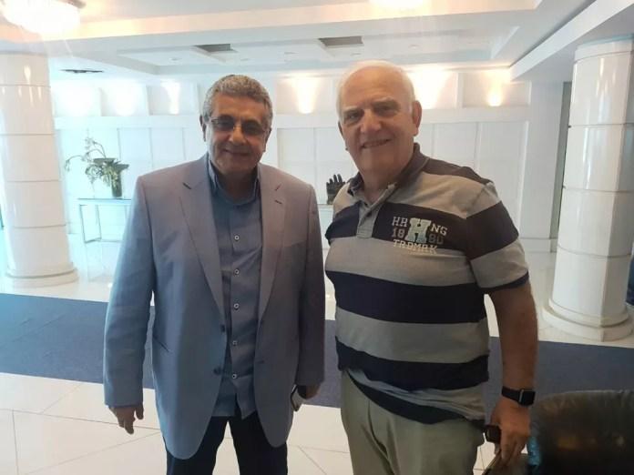 Luis Fernando Santos (direita) foi o elo na negociação com o Flamengo (Foto: Marcelo Baltar)