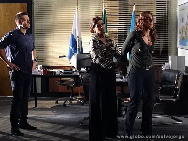 Finalmente! Wanda é presa! (Foto: Salve Jorge / TV Globo)