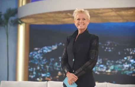 """The presenter debuted on Record with the program """"Xuxa Meneghel"""", in 2015 Record"""