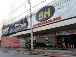 Supermercado ficará fechado por tempo indeterminado (Foto: Michelly Oda / G1)