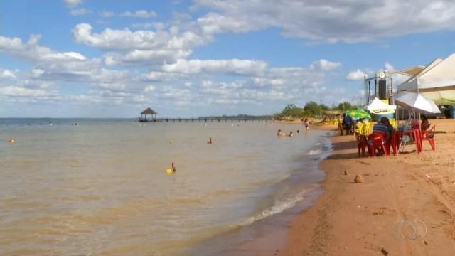 Apenas 15 praias são monitoradas pelos Bombeiros ou guarda-vidas no Tocantins (Foto: Reprodução/TV Anhanguera)