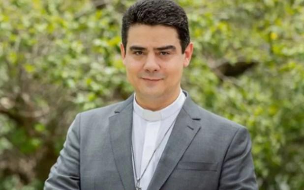 Padre Robson Oliveira Pereira Afipe Associação Filhos do Pai Eterno Trindade Goiás — Foto: Reprodução/Instagram