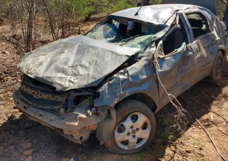 Duas pessoas morrem em acidente na BR 228, próximo a Lagoa Grande, PE — Foto: Kris de Lima/TV Grande Rio