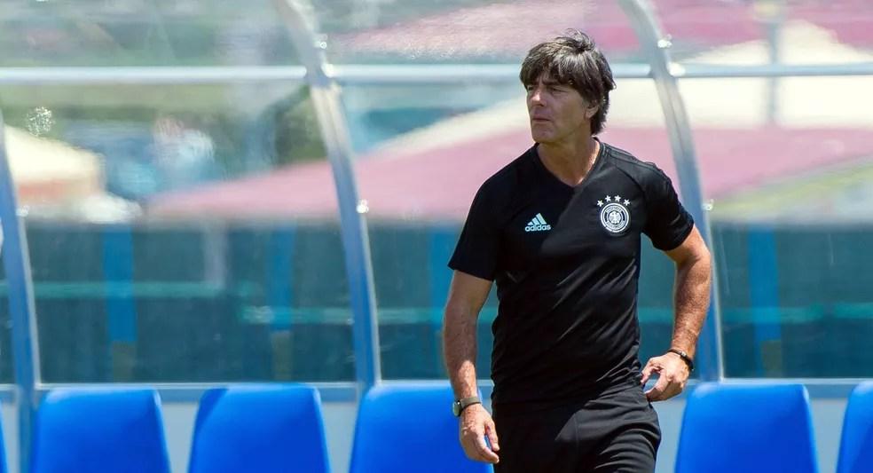 Joachim Löw levou um time alternativo para a Copa das Confederações e poupou suas principais peças (Foto: Peter Powell/EFE)