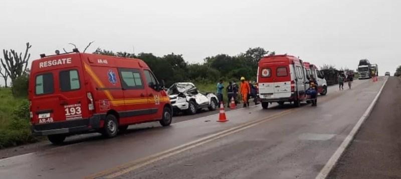 Acidente com vários veículos na BR-423, em Alagoas — Foto: Ascom/Corpo de Bombeiros de Alagoas