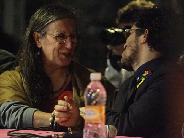Laerte e o deputado Jean Wyllys participam de manifestação em São Paulo (Foto: Gabriela Biló/Futura Press/Estadão Conteúdo)