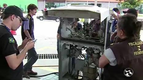 Resultado de imagem para IPEM e Inmetro encontram fraudes em posto de combustível em Caruaru