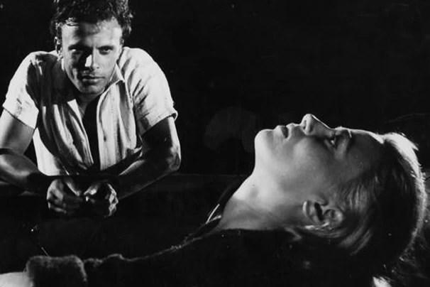 """Norma Bengell em cena do filme """"Os Cajajestes"""", de 1962, que a Globo exibe na Sessão de Gala deste domingo, dia 13 (Foto: Divulgação)"""