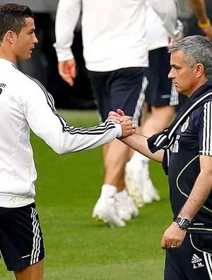 José Mourinho e Cristiano Ronaldo no treino do Real Madrid (Foto: EFE)
