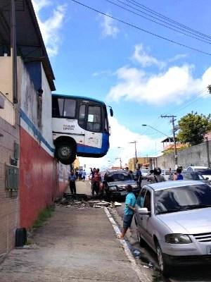 Incidente ocorreu na manhã desta sexta (Foto: Vandilson dos Santos Pereira/VC no G1)