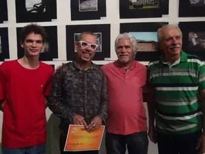 Vencedores do salão de fotografia  (Foto: Rivângela Gomes/G1)