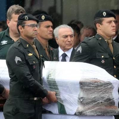 2016-12-03t122537z_539658039_rc1b39502600_rtrmadp_3_colombia-crash 30 dias da tragédia: há 1 mês, mundo chorava e se unia pela Chapecoense