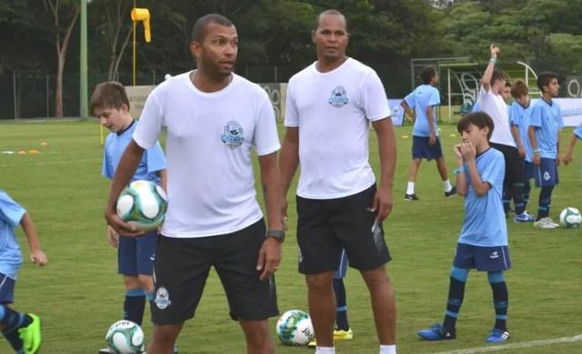 Amoroso e Aloísio Chulapa Atibaia (Foto: João Pedro Ribeiro/GloboEsporte.com)