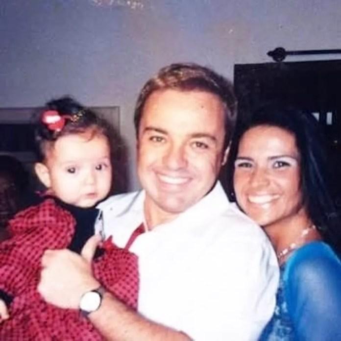 Gugu Liberato com Solange Gomes e a filha Stephanie — Foto: Reprodução/redes sociais