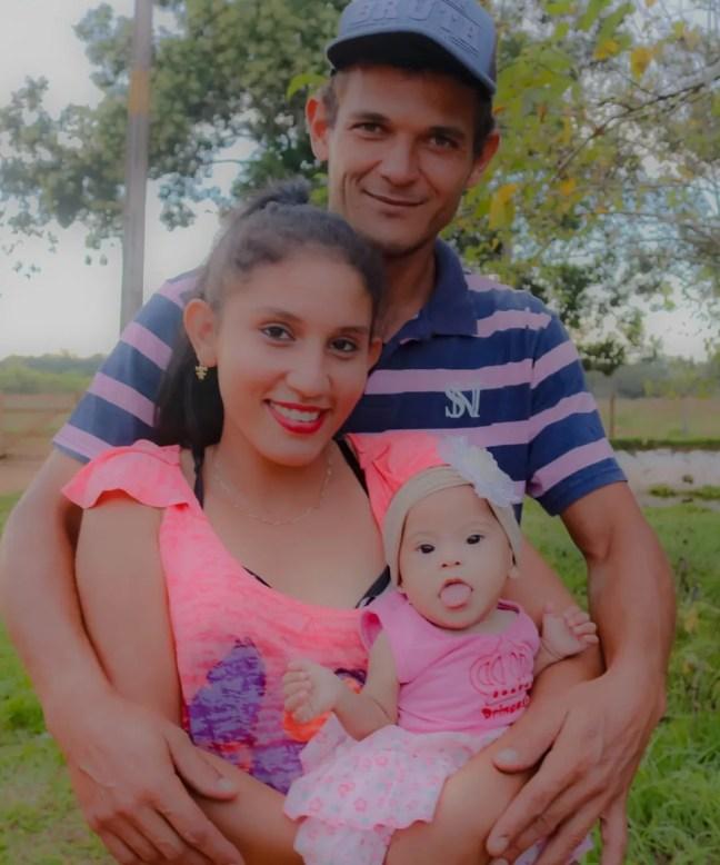 Gerliano Borges Dias e Angélica Oliveira da Silva, pais de Lívia. — Foto: Reprodução/Redes Sociais