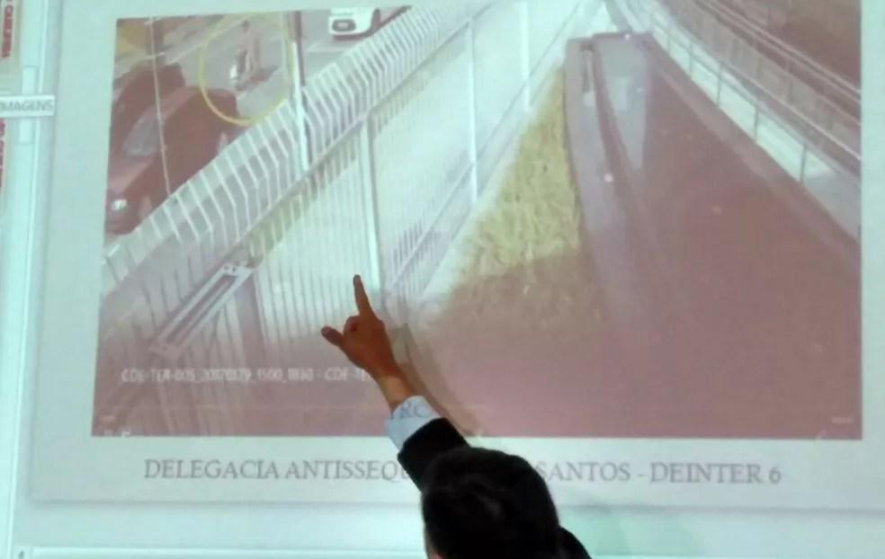Câmeras flagraram o homem com o carrinho (Foto: João Paulo de Castro/G1)