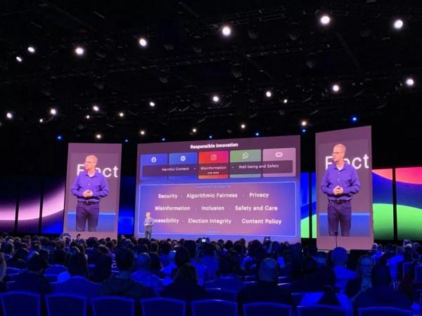 Mike Schroepfer, diretor de tecnologia do Facebook, durante apresentação na F8. — Foto: Thiago Lavado/G1