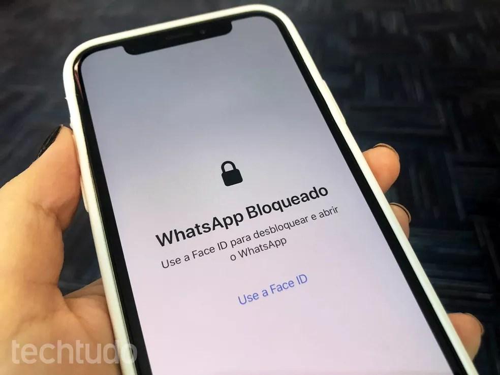 WhatsApp tem desbloqueio de tela por biometria facial ou digital — Foto: Anna Kellen Bull/TechTudo