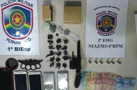 Material foi encontrado com a dupla (Foto: PM/Divulgação)