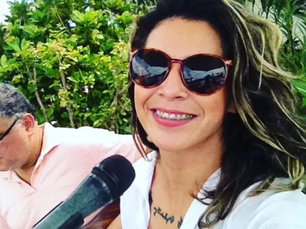 Carol Lima durante show em Guarujá, SP (Foto: Arquivo Pessoal)