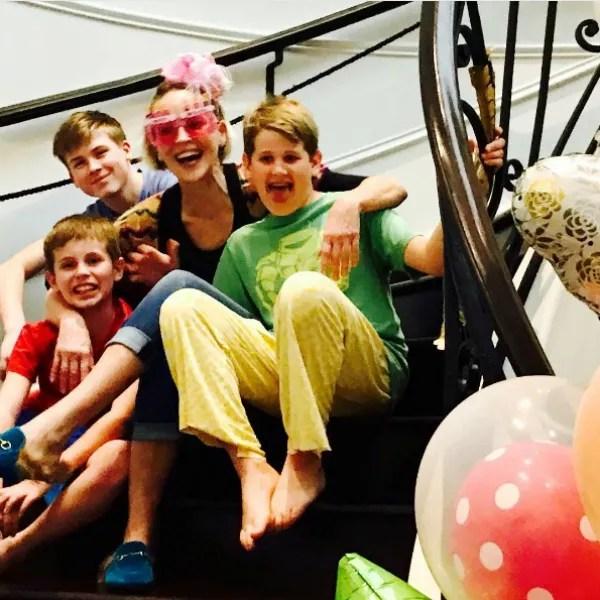 Sharon Stone com os filhos (Foto: Reprodução Instagram)