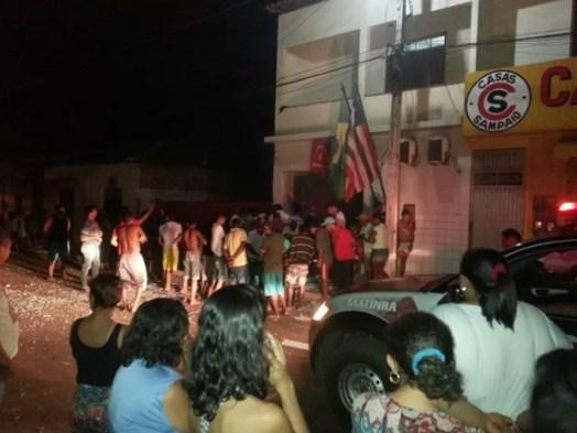 Criminosos explodem caixa eletrônico do Banco Bradesco, em Matinha
