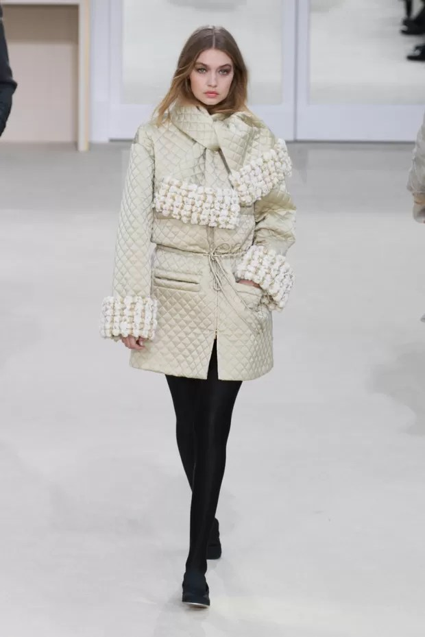 Paris Autumn-Winter 2016 - Chanel - Gigi Hadid (Foto: Agência Getty Images)