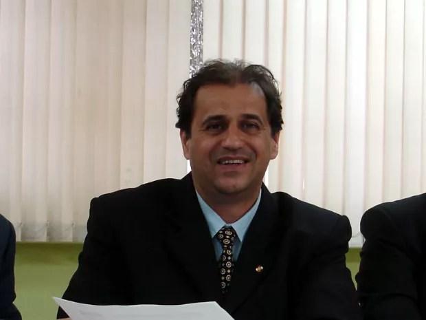 De acordo com a Justiça, Júlio Cesar Leme da Silva acumulou salários irregularmente entre maio de 2007 e dezembro de 2008 enquanto era presidente da Câmara de Vereadores de Cascavel (Foto: AEN / Divulgação)