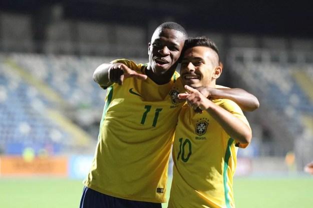 Vinicius Junior, do Flamengo, e Alanzinho, do Palmeiras, no Sul-Americano Sub-17 deste ano (Foto: Divulgação/Sul-Americano Sub-17)