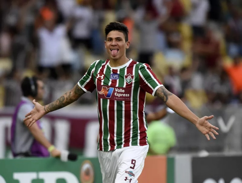 Pedro ganhou destaque com a camisa do Fluminense, em 2018, quando marcou 19 gols na temporada — Foto: André Durão/GloboEsporte.com