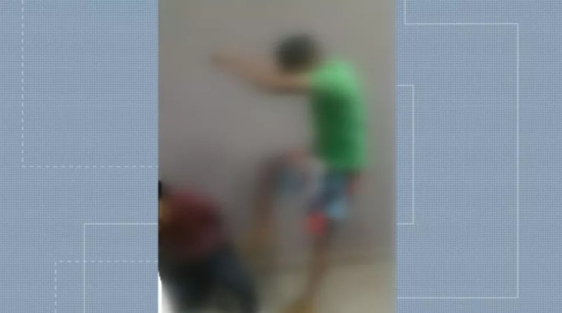 Padrasto é agredido por grupo em Sertãozinho, SP — Foto: Reprodução/EPTV