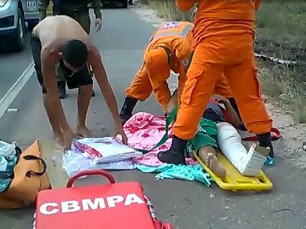 Corpo de Bombeiros fez o resgate das vítimas. Acidente Alça Viária (Foto: Ary Souza/O LIberal)
