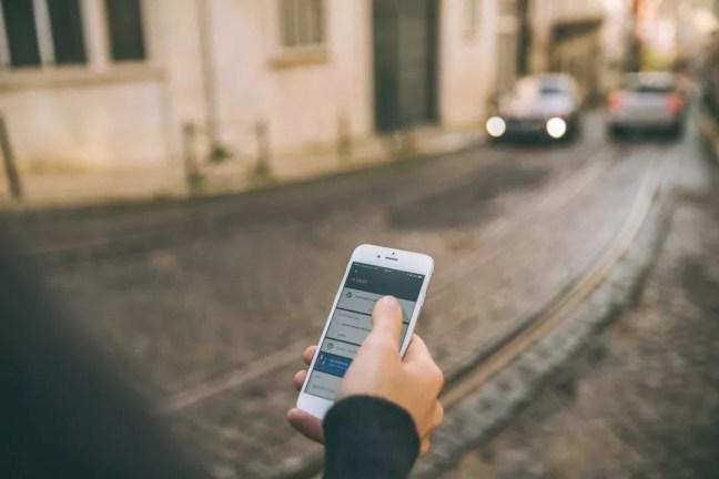 Uber coloca em contato passageiros com os motoristas mais próximos — Foto: Divulgação/ Uber