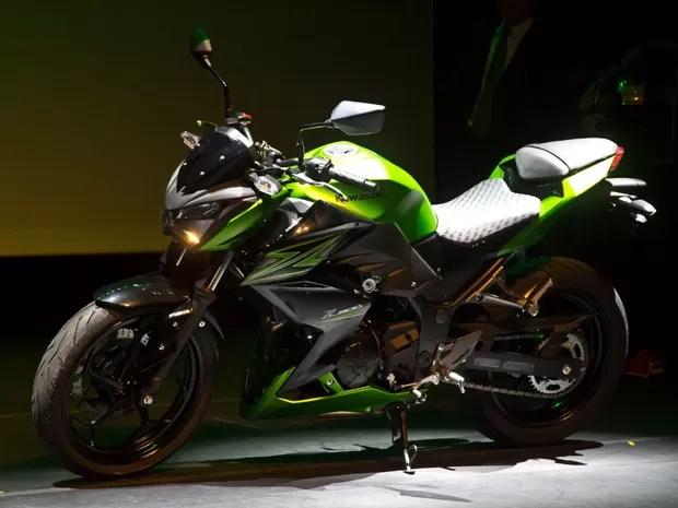 z300 - Kawasaki Z300 chegará às lojas por R$ 17.990