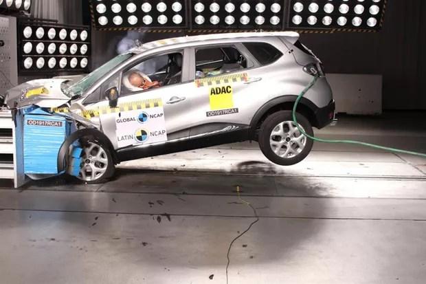 Renault Captur recebe quatro estrelas em teste de segurança