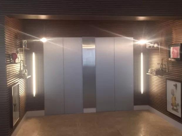 Cada um dos apartamentos possui dois elevadores privativos (Foto: Murillo Velasco/G1)