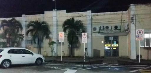 Prédio do gabinete da Secretaria Municipal de Mobilidade Urbana de Natal (STTU) foi parcialmente interditado (Foto: Sérgio Henrique Santos/Inter TV Cabugi)