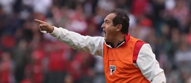 Muricy Figueirense x São Paulo (Foto: Rubens Chiri/saopaulofc.net)