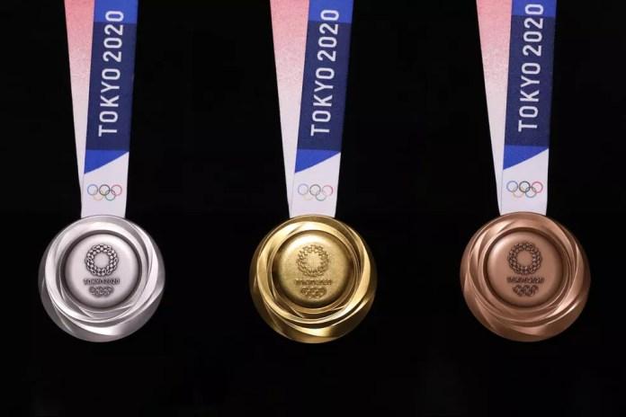 Parte de trás das medalhas das Olimpíadas de Tóquio — Foto: Reprodução/Tokyo 2020