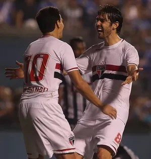 Kaká e Ganso Emelec x São Paulo (Foto: Rubens Chiri/saopaulofc.net)