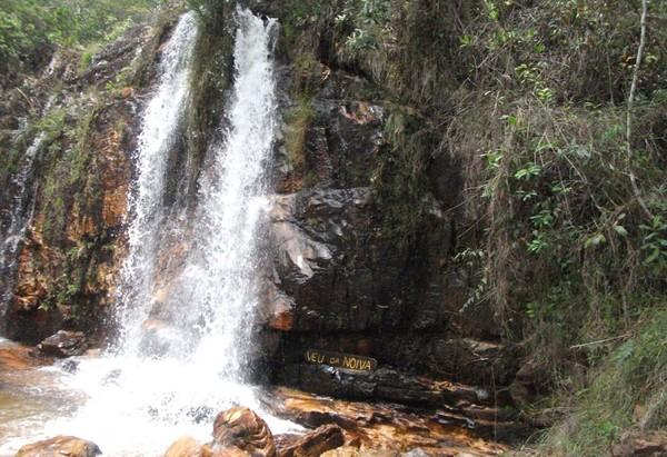 Apesar de fogo no Parque Nacional, outros pontos turísticos da Chapada dos  Veadeiros seguem abertos | Goiás | G1