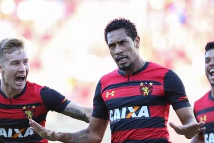 Hernane marcou quatro gols en quatro partidas no Leão — Foto: Marlon Costa / Pernambuco Press